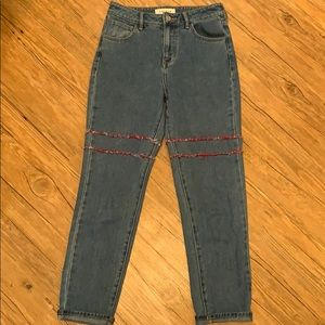 PacSun Mom Jean w/red patched seam design EUC